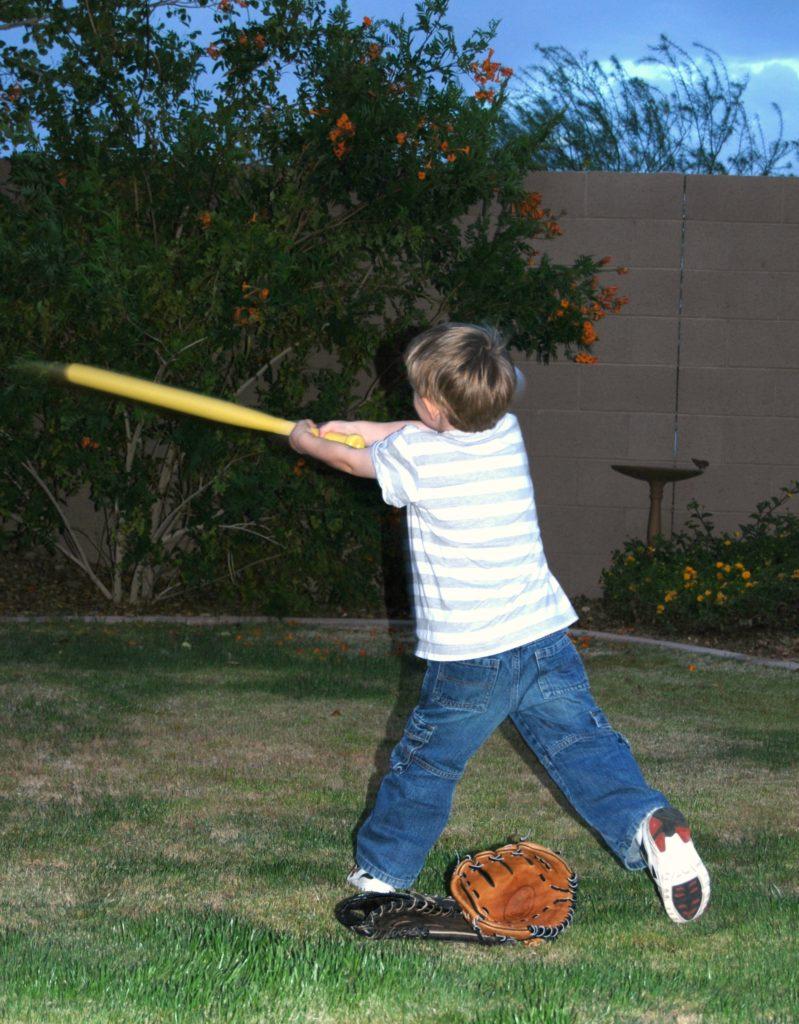 b-at-age-4-playing-baseball