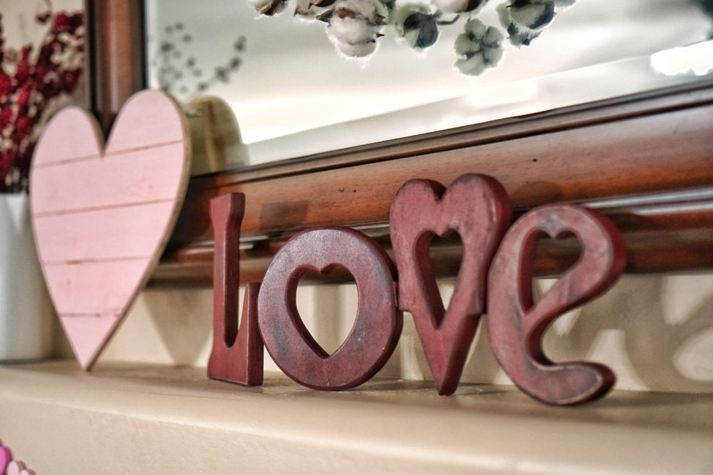 Valentines Day Mantel love sign