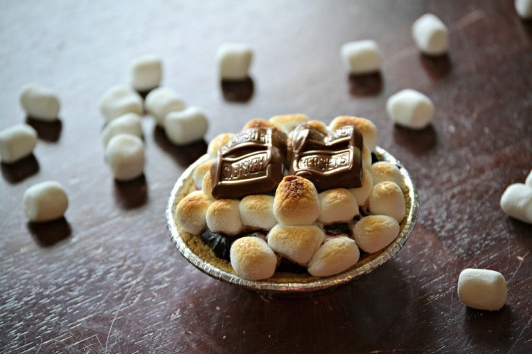 Southern Kissed Mini SMores Pies