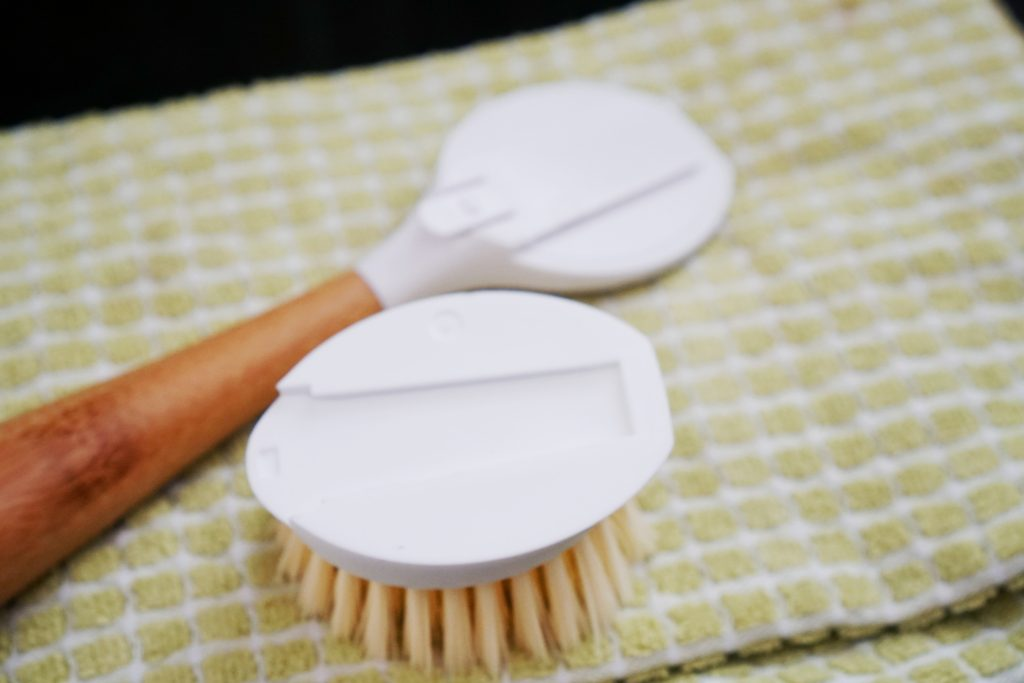 environmentally friendly dish brush