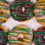 Donuts for Graduation Day Breakfast in School Colors – DIY Icing