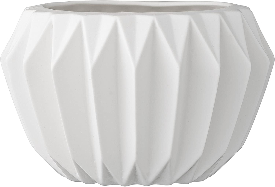 white fluted pot